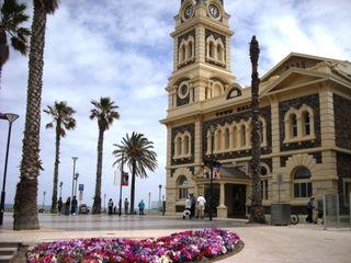 Adelaide 007